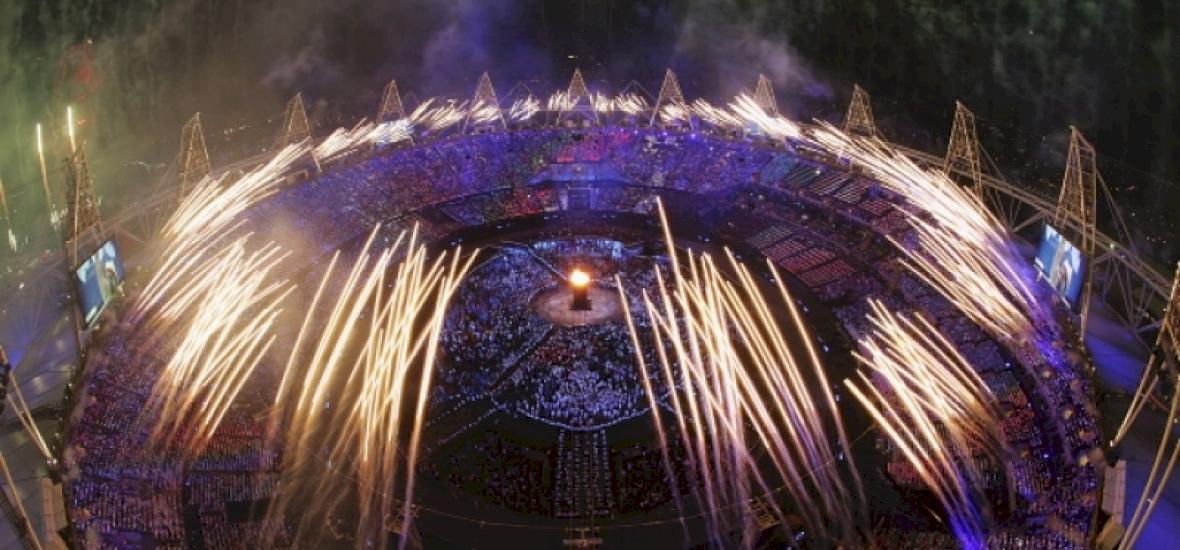London 2012: olimpiai megnyitó a zsúfolt arénában