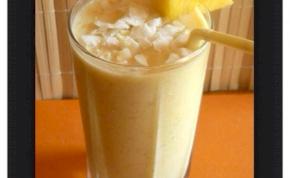 Mandulatejes ananászos turmix