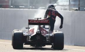 Hogyan parkoljunk le pilóta nélküli F1-autót, I. lecke