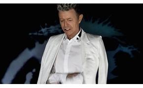 Végül Bowie taszította le Adele-t a trónról