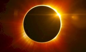 Lement tegnap az indonéziai teljes napfogyatkozás