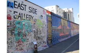Magánmúzeum mutatja be a fal történetét Berlinben