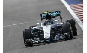 Rosberg megint elhúzhat, Hamilton teljesen hátul az időmérőn