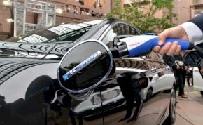 Japánban több elektromos töltőállomás lett, mint benzinkút