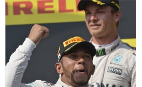Hamilton rekordot döntött és a vb vezetését is átvette a Hungaroringen