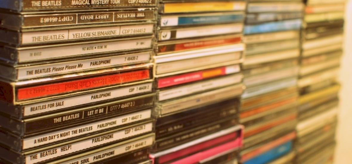 170 millió eurós bevétel kiesést okoz, hogy zenéket torrentezünk