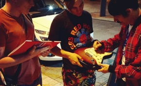 Ma veszi be Budapestet a Red Hot Chili Peppers