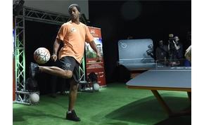 Ronaldinho népszerűsíti a magyar Teqballt
