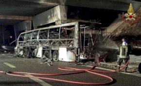 Magyar busz szenvedett balesetet Veronában, halálos áldozatok is vannak.