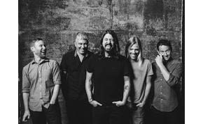 Megvan még a Sziget plakát, amikor itt járt a Foo Fighters