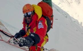 Klein Dávidnak fel kellett adnia az Everest expedíciót