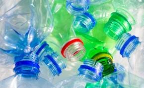 Percenként egymillió műanyagpalackot vásárolunk a világon