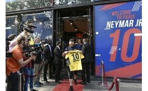 Már most mindenki sorban áll a Neymar mezekért