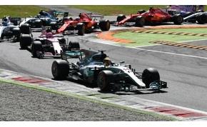 Hamilton nyert Monzában, és átvette Vetteltől az első helyet