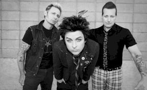 A Green Day best of mellé két új dal is jön