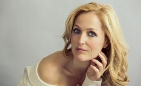 Gillian Anderson megkapja a jól megérdemelt csillagát Hollywoodban