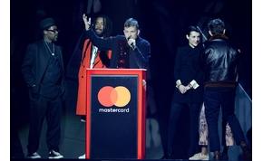 Négy Szigetes fellépő is díjat kapott a Brit Awards-on