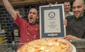 Pizza 111 féle sajttal?