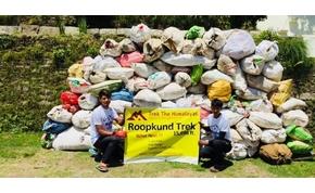 Négy tonna szemetet hordtak le a Himalájáról