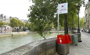 Kültéri piszoárok borzolják a párizsiak idegeit