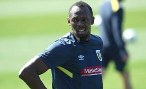 Felfordult Ausztrália, Bolt először edzett új csapatánál