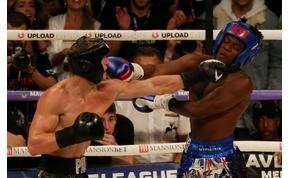 """Az """"évszázad bokszmeccsén"""" két amatőr püfölte egymást"""
