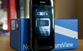 Az elfeledett Nokia 808 mobilkészülék...