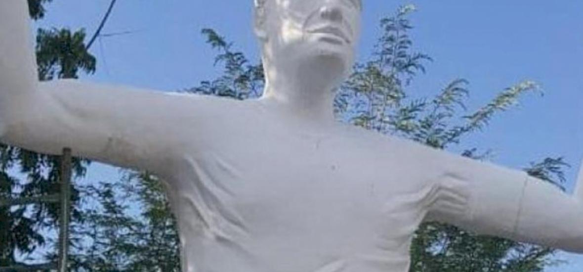 Falcao legalább olyan gusztustalan szobrot kapott, mint Ronaldo vagy Maradona