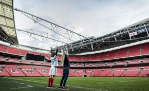 Külföldi kézbe kerül az angol foci koronaékszere