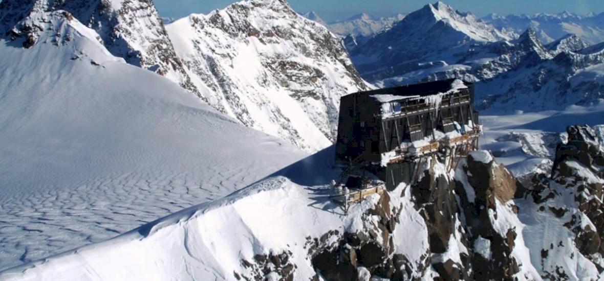 Különleges esküvőt szeretne? Akkor irány a 4554 méteren lévő menedékház!