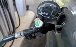 Nagy változás jön a benzinkutakon: figyeljon oda, hogy mit tankol!