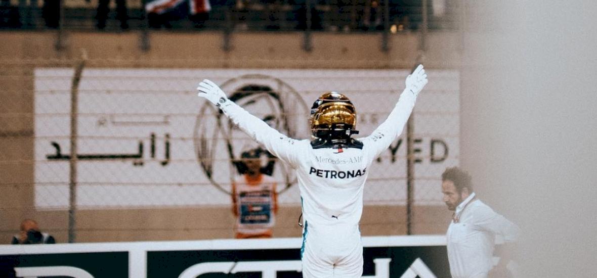 Hamilton és Bottas révén ért el történelmi sikert a Mercedes