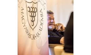 Határon túli magyar kapta a borvilág Kossuth-díját