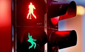 Elvis Presley már a közlekedési lámpán is táncol