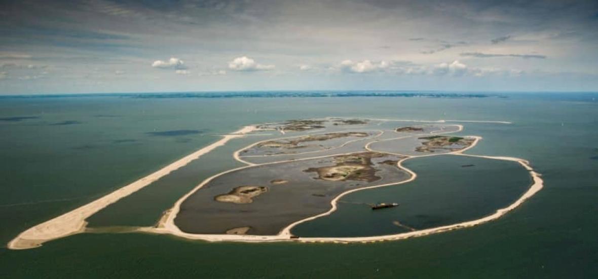 Épül-szépül a mesterséges szigetcsoport Európa egyik legnagyobb taván