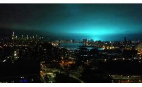 Tényleg ufóinváziónak tűnt a New York feletti kék fénysugár