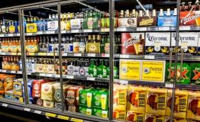 """Katarban bevezették a """"bűn"""" adóját az alkolholra"""