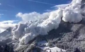 Brutális lavinát vettek videóra a svájci Alpokban