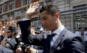 Ronaldo visszamegy Madridba, s örül, ha felfüggesztett börtönnel megússza