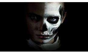 Már ártatlan szemű kisgyerekkel sem lehet egy horrort eladni