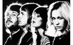 Kiborult egy házaspár: az igazi ABBA-t várták, öt ismeretlen énekest kaptak