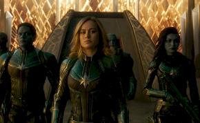 Brutálisan nyitott a Marvel Kapitány