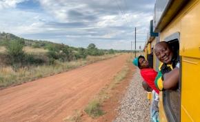 A dél-afrikai Mátyás király éktelen haragra gerjedt a helyi MÁV miatt