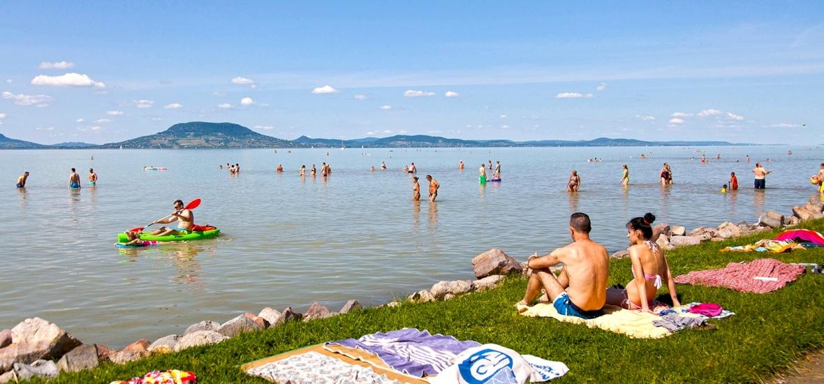 Öt balatoni település szabad strandja újul meg