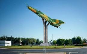 MiG-21-es emlékmű épült Pápán