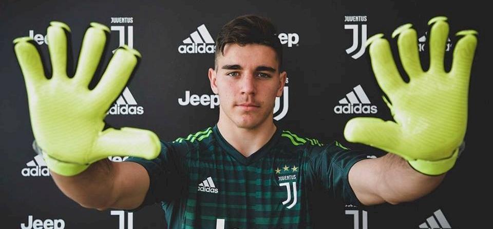Magyar futballistát igazolt a Juventus