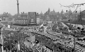 Április 4.: műfáklyával ünnepeltük a Vörös Hadsereget