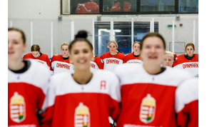 Történelmi tett: világelitbe jutott a magyar női jégkorong-válogatott!
