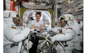 Egy évre lőttek fel egy nőt az űrbe, ami új rekord