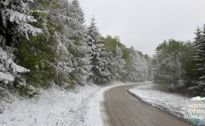 Videók: havazással köszöntött be itthon a tél, nem egy helyen